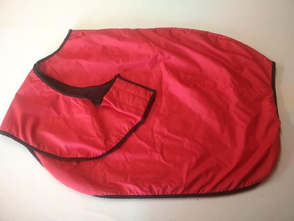 Bederní deka nepromokavá, červená v.135, výprodej Daretex